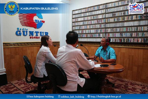 SOSIALISASI P4GN MELALUI DIALOG INTERAKTIF DI RADIO GUNTUR SINGARAJA
